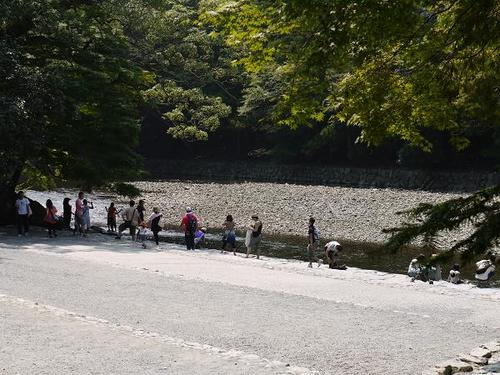 In the precinct of 'Ise-jingu' inner shrine which is Japan's oldest and most prestigious 'Shinto' shrine, there runs the Isuzu River whose clear stream is utilized for purifying the visitors from defilement.