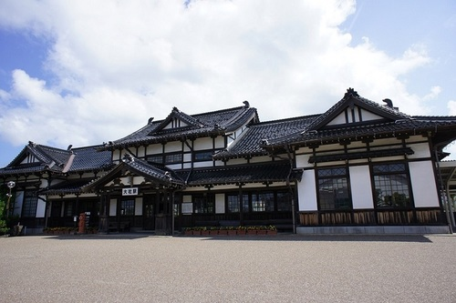 'Taisha Station' in Izumo City, Shimane Prefecture, is an abolished railway station of West Japan Railway Company, which has been well preserved.
