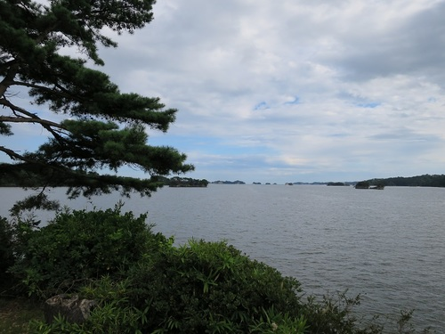 'Matsushima' in the suburbs of Sendai, Miyagi Prefecture, is one of the Three Great Sights of Japan.