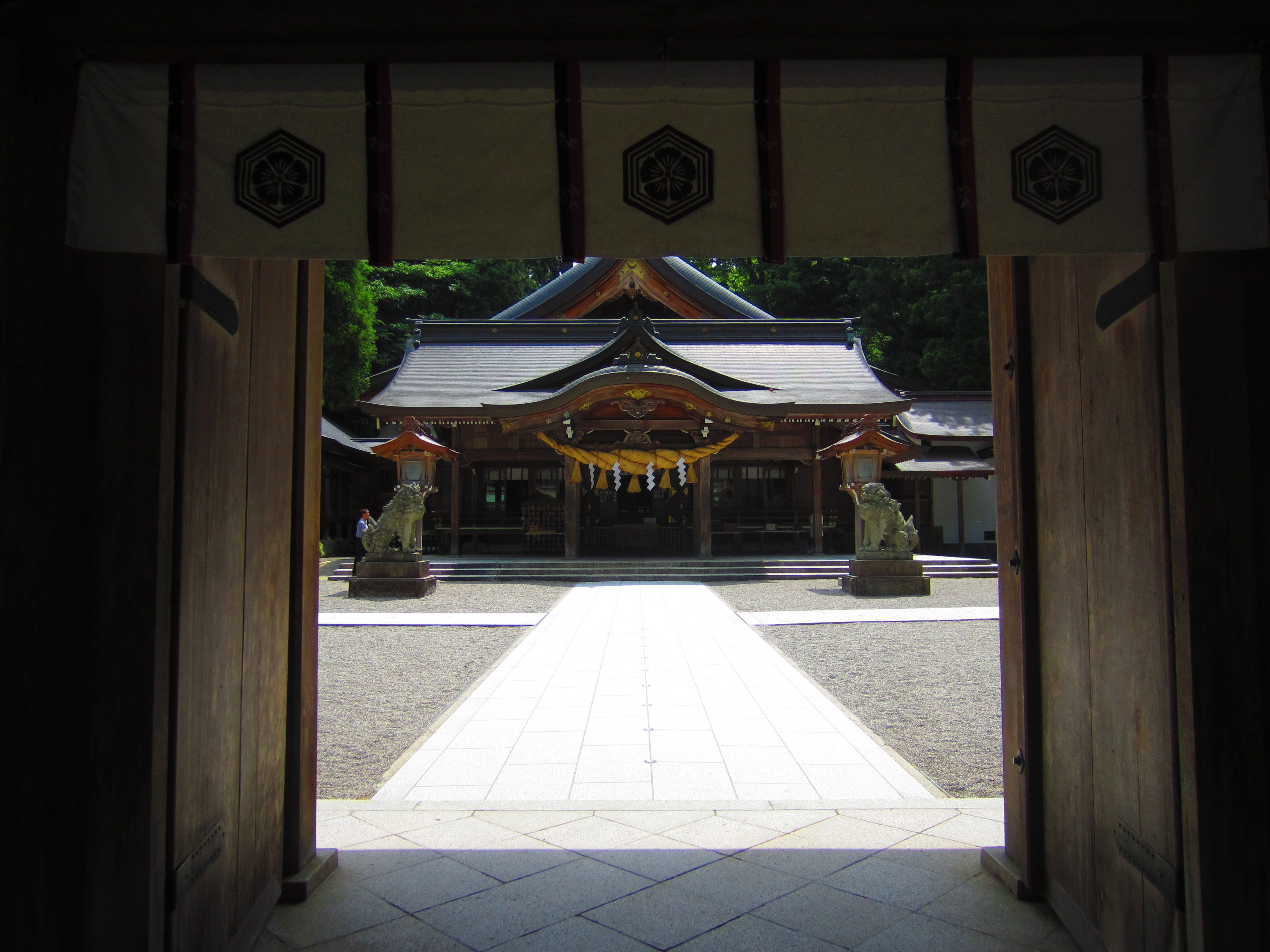 A Guide to Temple and Shrine Etiquette