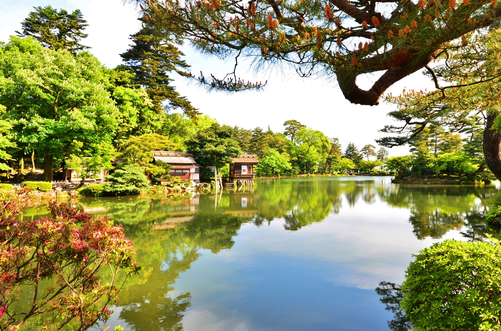 A Magical Escape In The Heart of Kanazawa- KENROKU-EN GARDEN
